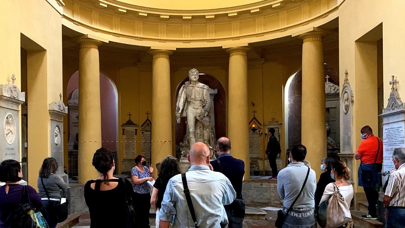 Primo incontro con la Certosa di Bologna: libro aperto sulla storia